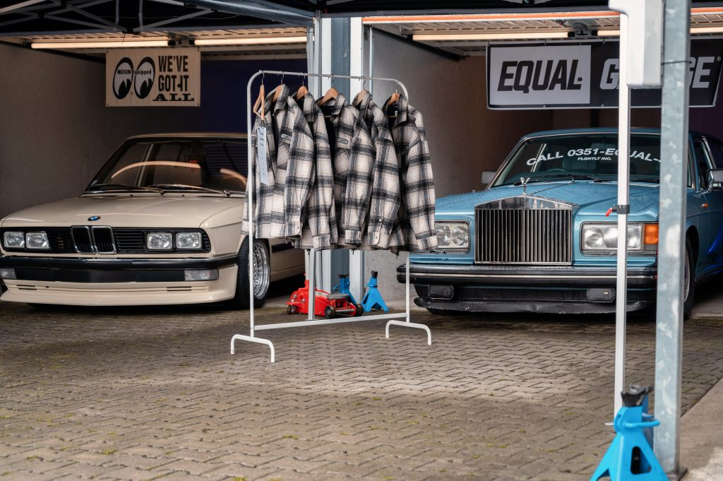 EQUAL 4 Garage PopUp